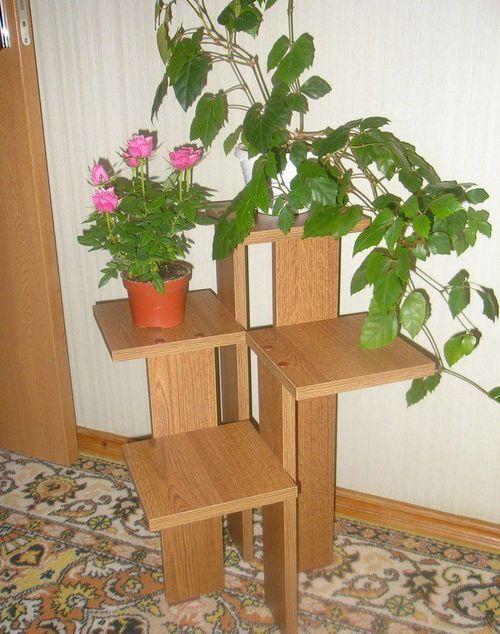 Напольная подставка для цветов из шкафа