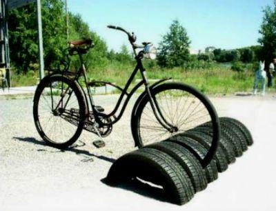 Стойка для велосипедов из покрышек