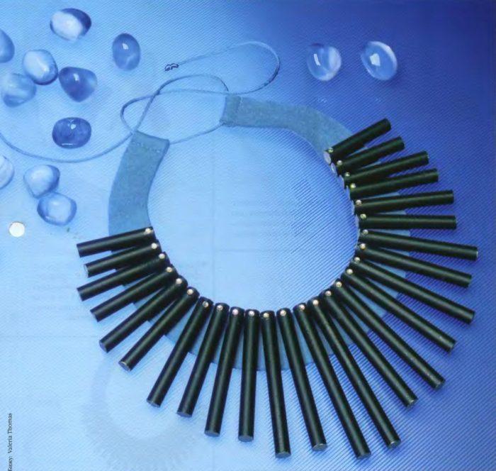 Ожерелье из ручек