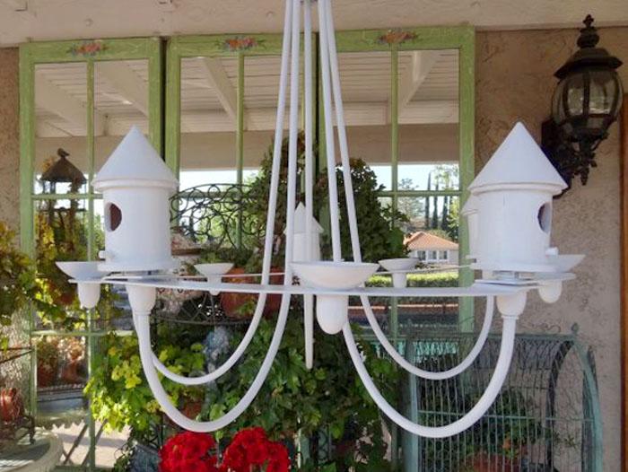 Кормушка и домик для птиц из старой люстры